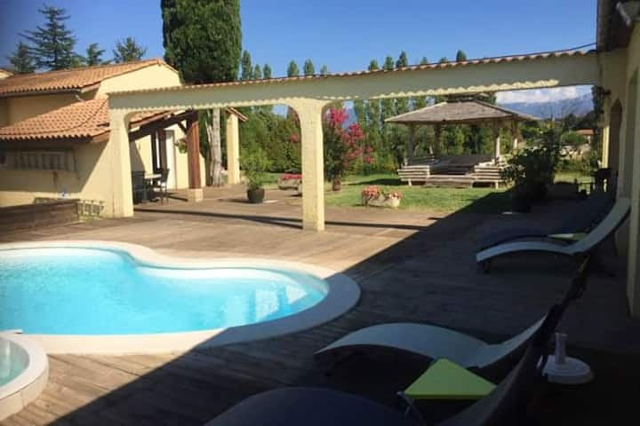 Villa with one bedroom in Alixan, with wonderful mountain view, private pool, enclosed garden