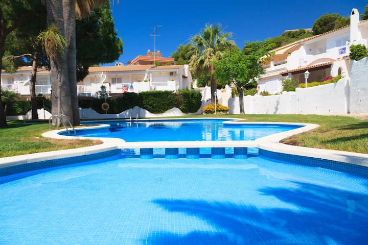 COSY APARTMENT WITH SWIMMING POOL IN A QUIET AREA OF SALOU S104-121 CASAS BLANCAS