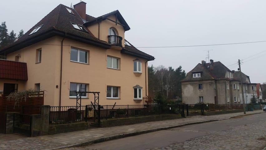 Wygodny dom na przedmieściach Szczecina - Szczecin - บ้าน