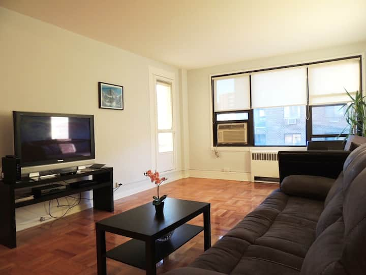 Luxury private apartment/Suite/with balcony