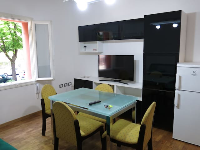 """Turistic apartment """"La Rocca"""" - Imola - Apartamento"""