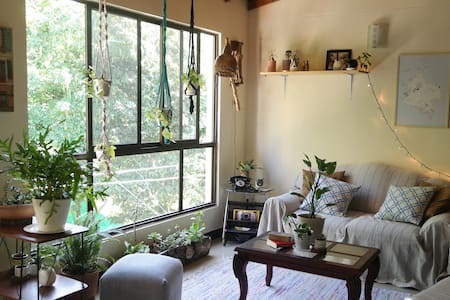 Cozy room close to train station. Sleeps 4!! #2 - Envigado