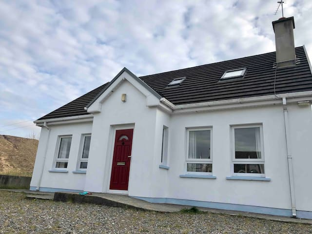 Cosy 3 bedroom holiday home, Doochary, Donegal