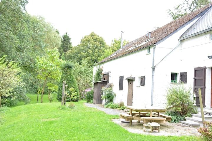 Cozy Farmhouse in Sivry-Rance with Garden