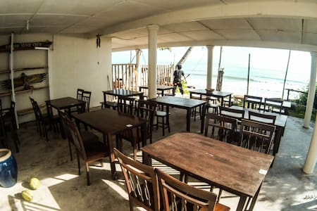 Pandan Beach Stay - Lundu