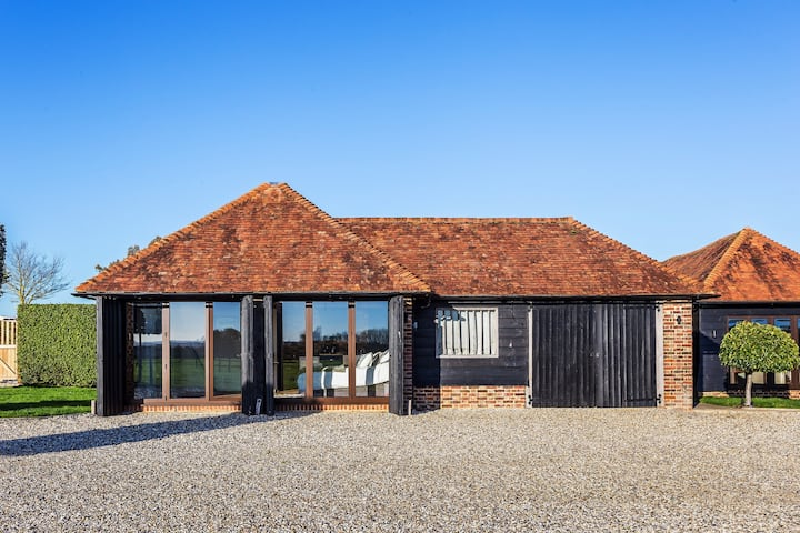 Tranquil Hide Away With Stunning Views