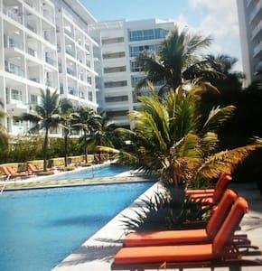 Morros 3 Lujo VISTA de Más Amplia Playa Cartagena