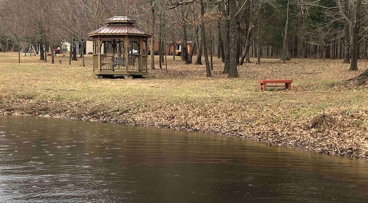 Country Cabin Retreat! Trails, Paddleboats