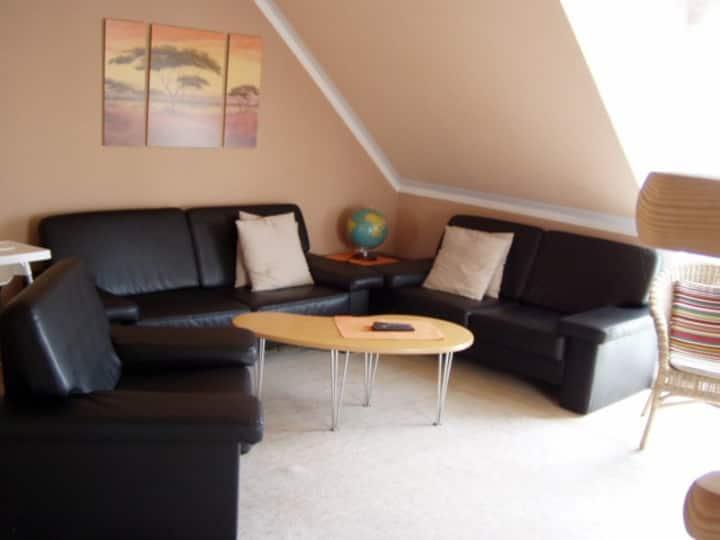 Ferienwohnung Hartinger (Wolfersdorf), Gemütliche Ferienwohnung (75qm) im 1. Obergeschoss