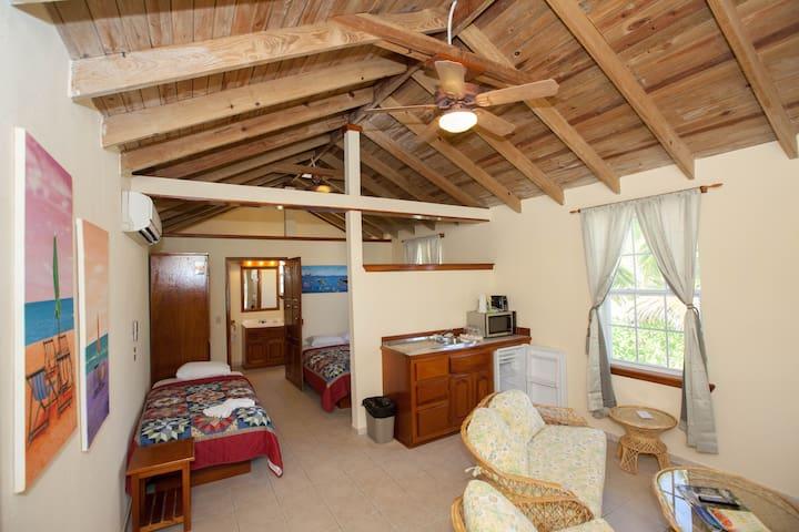 Comfortable Spacious Beach Resort Casita