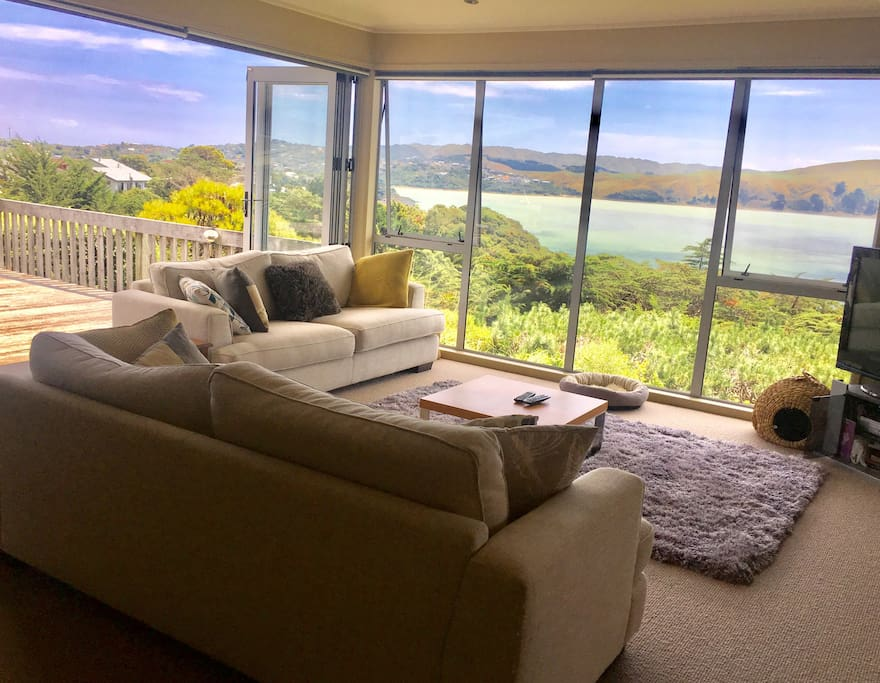 Family lounge and deck upstairs which you are welcome to use if you wish- unobstructed views of Pauatahanui Inlet