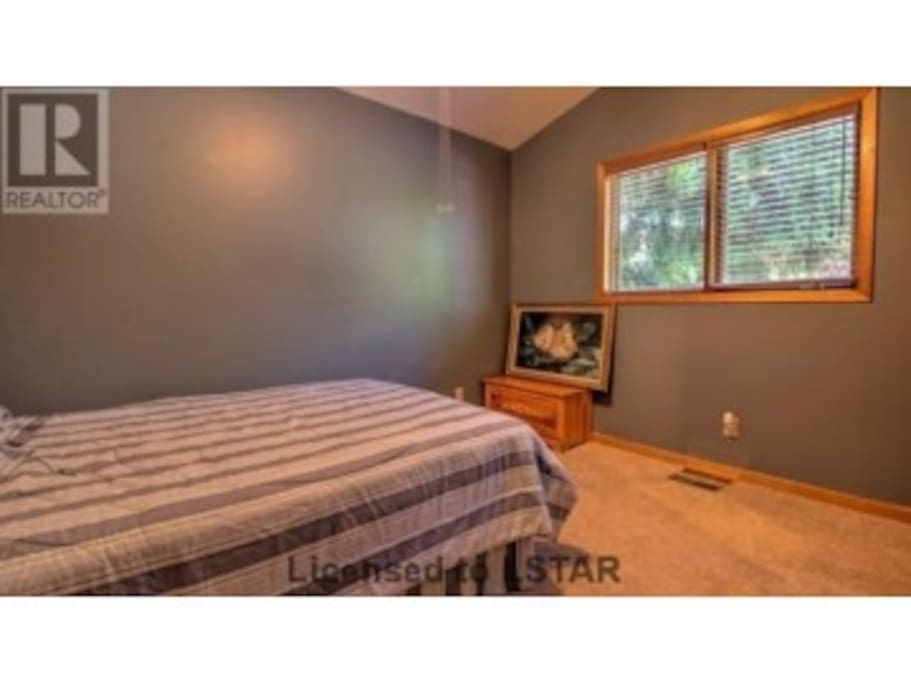 Large, 3 bdrm family cottage in Grand Bend - Cottages for ...