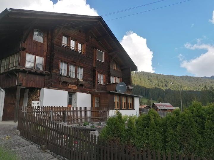 Gemütliche Wohnung im Berner Oberland