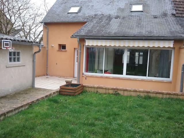 Chambre Privée Calme - Bourges - Aamiaismajoitus