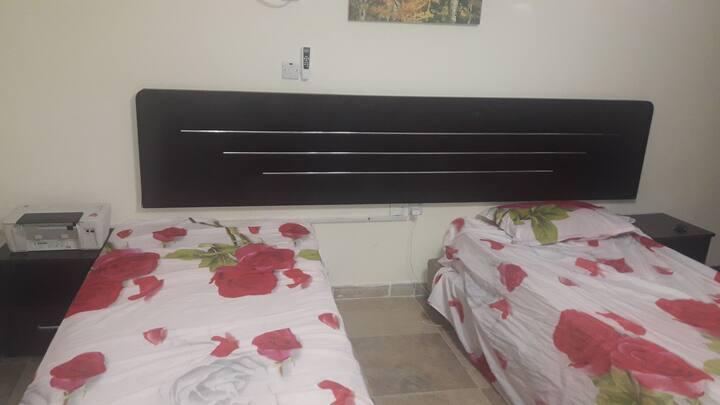 غرفة خاصة داخل شقة