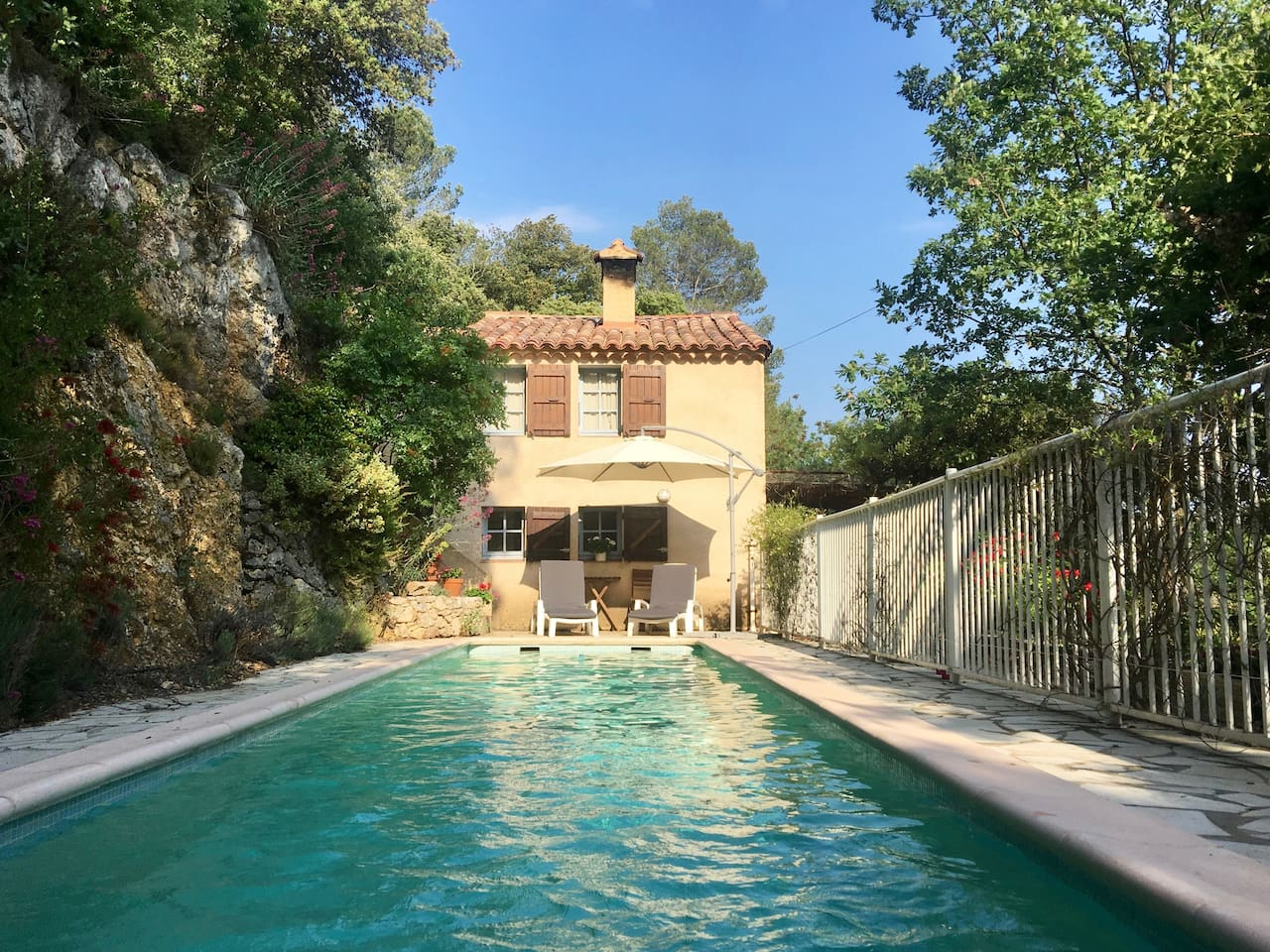 Welcome to Maison Genet in Green Provence