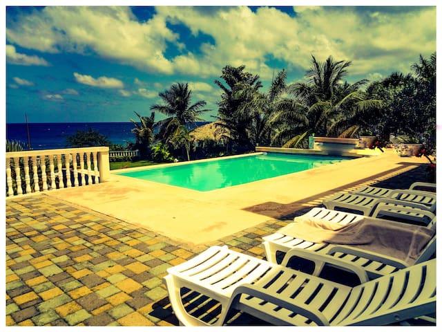 JAZZ BASS SUITES, Boscobel Jamaica. - Boscobel - Hus