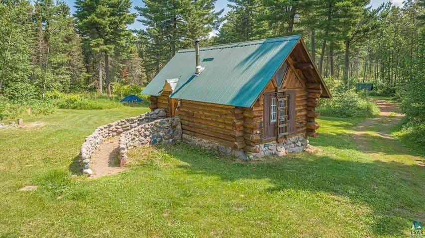 Beautiful Rustic Retreat