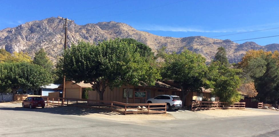 "Kern River Rentals ""West Tobias"": Dog Friendly! - Kernville - Bungaló"