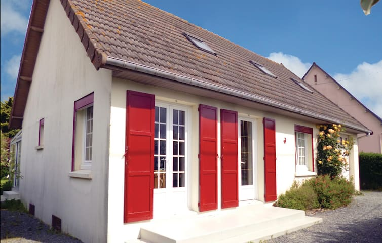 Holiday cottage with 2 bedrooms on 87m² in Anneville sur Mer