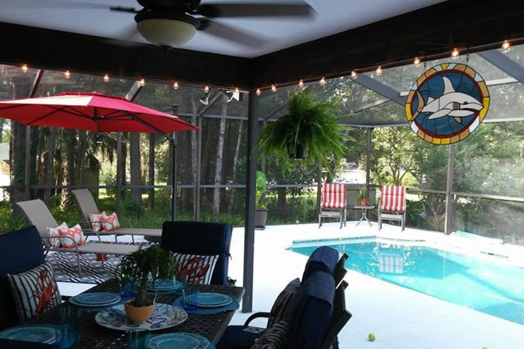 Beautiful Area of Gorgeous Springs & Gulf of Mexico Nearby While Enjoying This Saltwater Pool