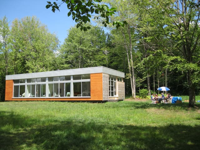 Prefab in Bovina - a private haven