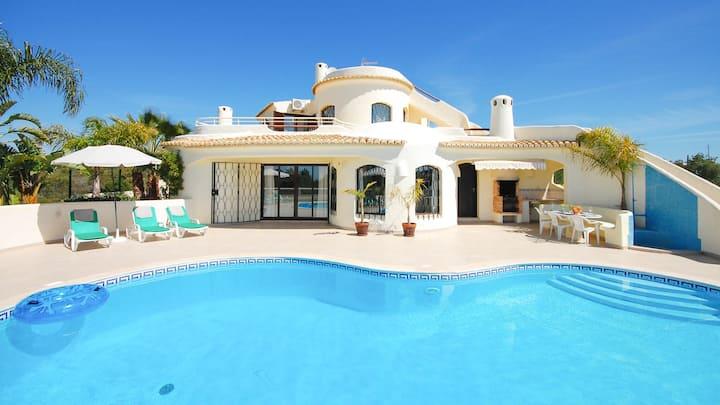 Cosy south facing villa, private pool,AC,free WiFi