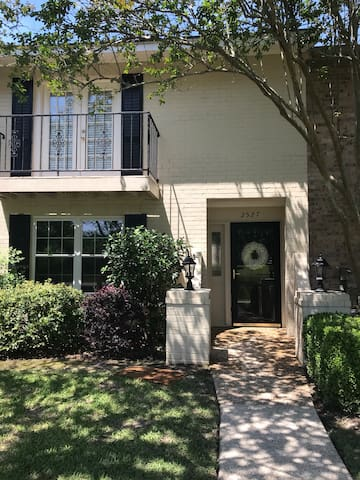 Private one Bed/Bath Full Access Townhome  midtown