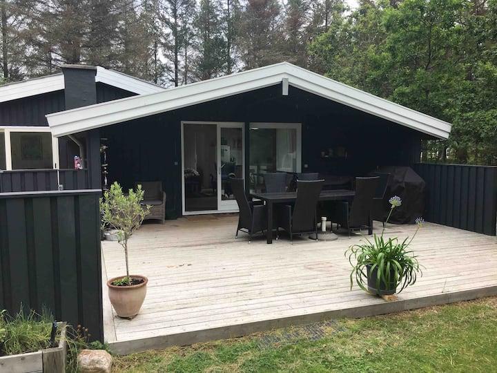 Summer house ( pizza oven, beach, free golf fee)