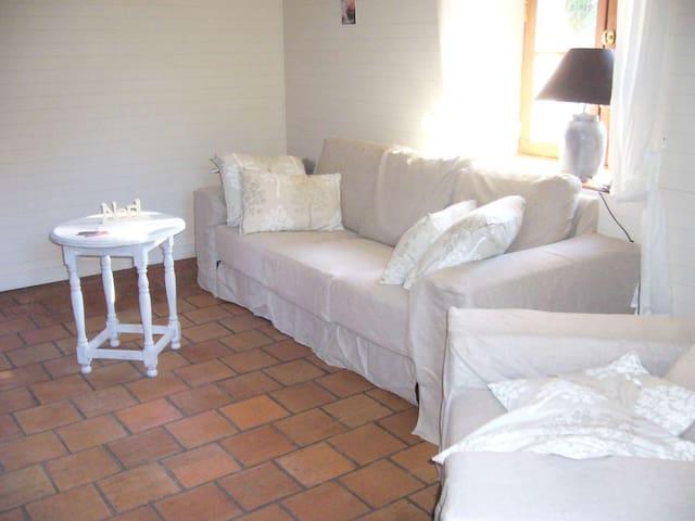 Le gîte du Bourg Haut 3 étoiles - Saint-Éloy-les-Tuileries - Huis