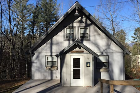 Lacey's Lookout: Cozy Chalet in the White Mounains - Conway