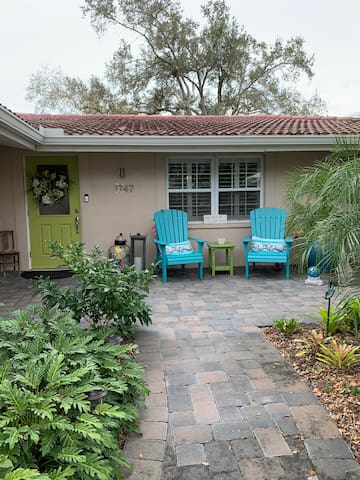 Quiet home with Lanai and pool in great location.