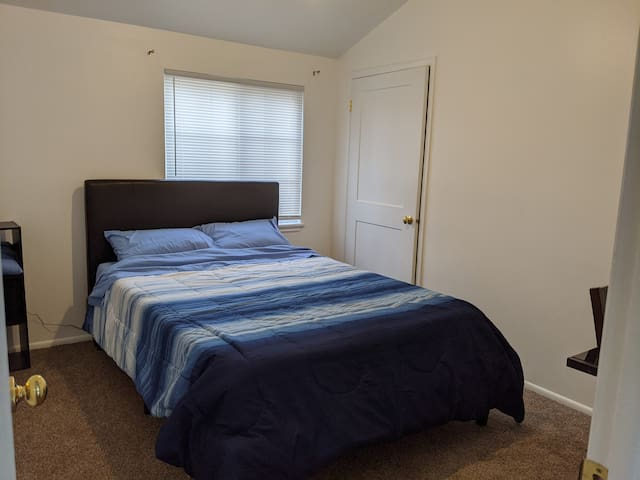 Private room + bathroom in great location