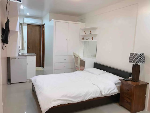 Private Rm B w/ Aircon,WIFI,TV,Parking in Tagaytay