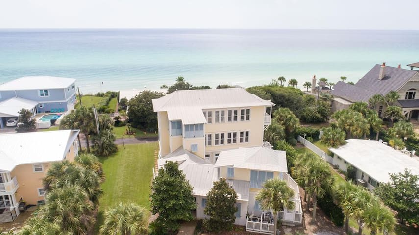 Big Fish House, Gulf View 5 Bedroom Sleeps 18, Private Heated Pool, Available Spring Break!