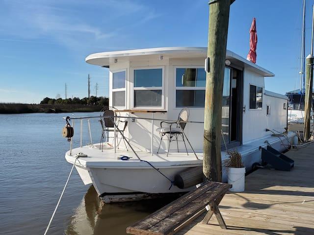 Tybee Island Houseboat
