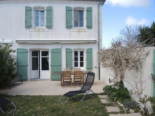Maison agréable,terrasse plein sud - La Couarde-sur-Mer