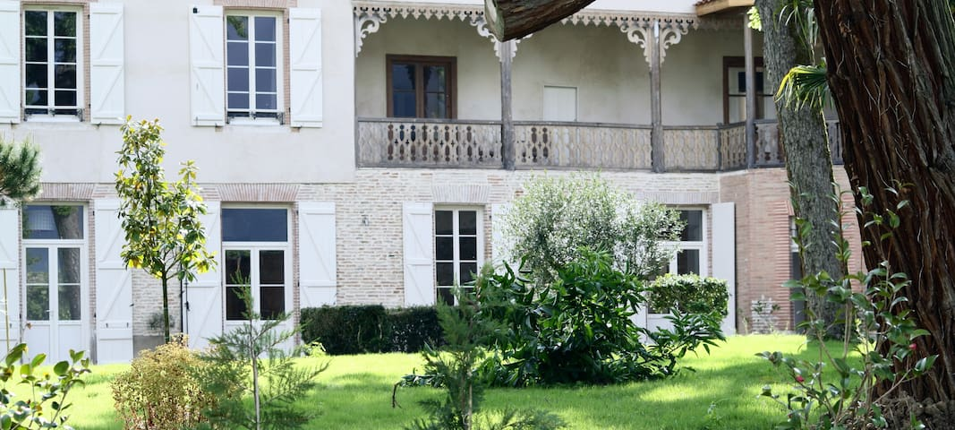 La Belle Montoise - Beaumont-de-Lomagne - Bed & Breakfast