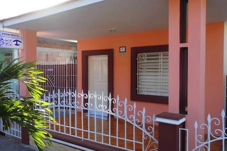 """ROOM RENTAL """"BILLY 'S HOUSE"""" EN CIEGO DE AVILA. 2 - Ciego de Ávila - Hus"""