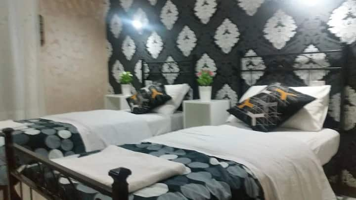 roma  hostel^3 World^