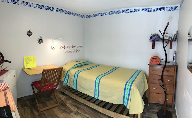 Coyoacán, Independent room with stove & bath