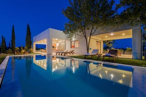 Villa Verano, espaciosa villa de 5 dormitorios y 5 baños