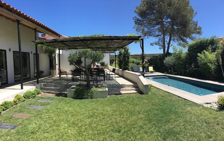 Villa Architecte avec piscine près Aix en Provence