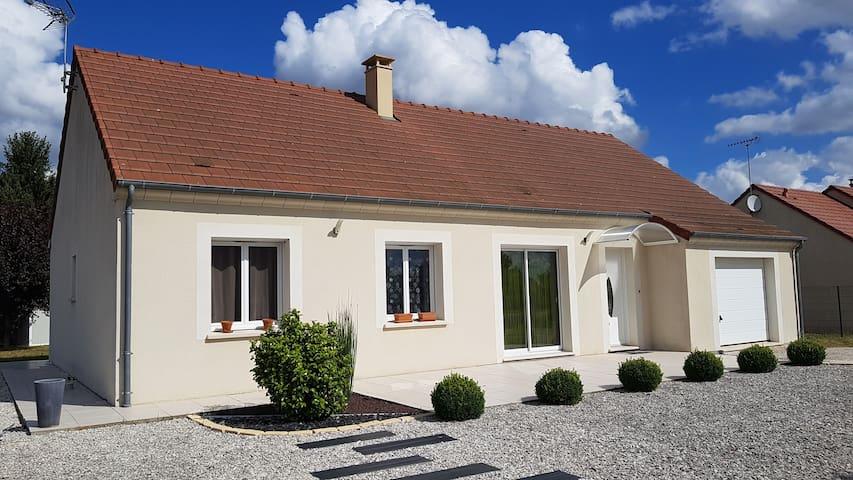 Cottage au calme à 5 min de GIEN (Loiret)