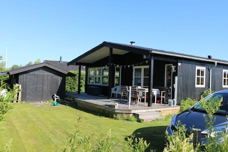 2br summer house 2 mins sandy beach - Juelsminde