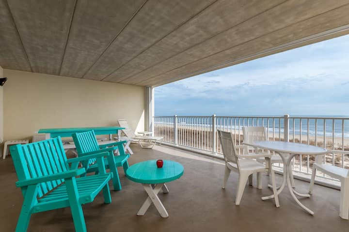 Calypso 207 - Wake up to the Sunrise! Direct Oceanfront w/ Pool in Mid-town OC!