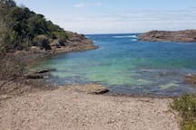 Bass Point Lagoon for snorkeling swimming or just a relaxing day. 6km...10 minuts drive.