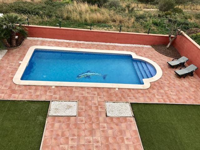 VILLA WITH BIG SWIMMING POOL AND GOOD VIEWS - El Vendrell - Villa