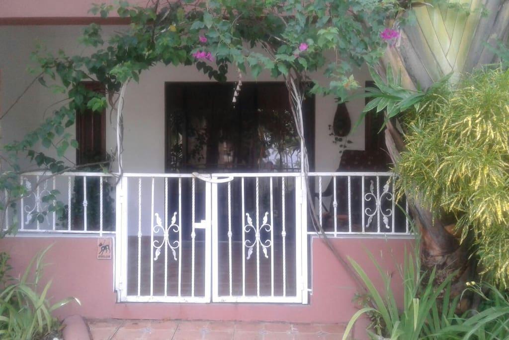 ingreso casa/terraza