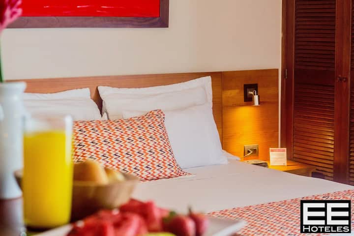 Leblón Suites Hotel 03 STD - Desayuno Americano